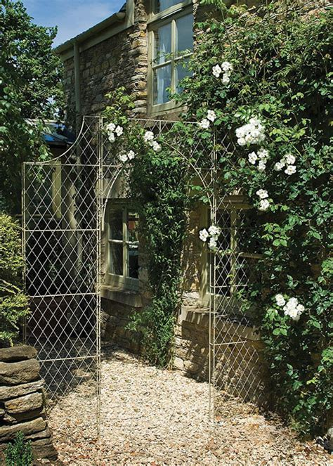 Trellis Uk Fill Bare Vertical Spaces With Metal Wall Trellis