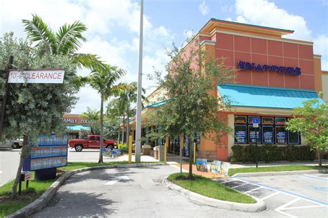 Snappers Miami Gardens by Pictures Of Colonial Square Shopping Center Sw 160 St Colonial Dr Miami Fl 33157 Plaza