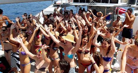 sunset catamaran cruise ibiza despedidas catamaran pack3 fin de semana en