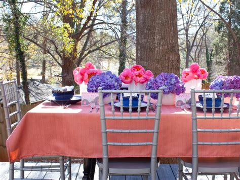 easy to play at bridal showers simple decorating ideas for baby and bridal showers hgtv