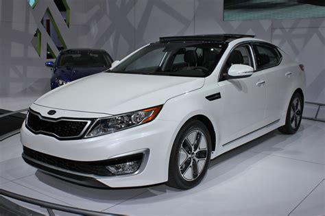 Price On A Kia Optima 2011 Kia Optima Hybrid To Cost 26 500 Less Than Camry