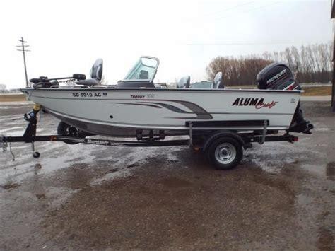 boat dealers watertown sd used 2015 alumacraft trophy 185 watertown sd 57201