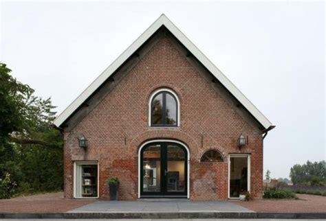 Häuser Renovieren Vorher Nachher by Barn Converted Into A Contemporary Home Designed For