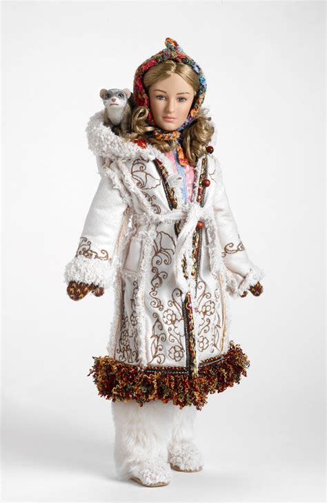 Hem Pulman Silver the golden compass tonner doll company