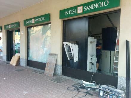 intesa bancomat borgaro esplode il bancomat della sanpaolo in pieno centro