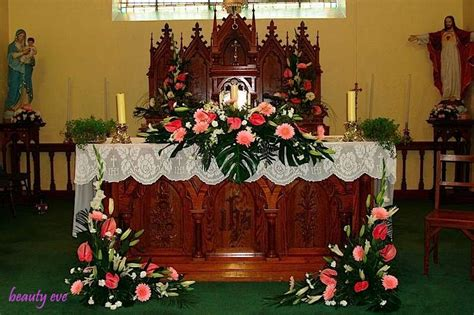 pictures of catholic church altars decorated for advent