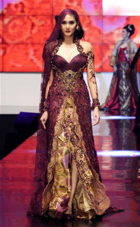 Niken Dress jfw 2012 day 2 appreciation for the various colour in