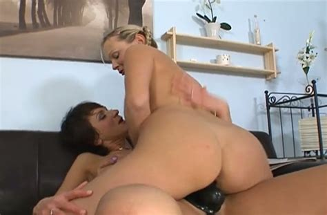 Busty Brunette Milf Lets Kinky Blond Haired Chick Rides