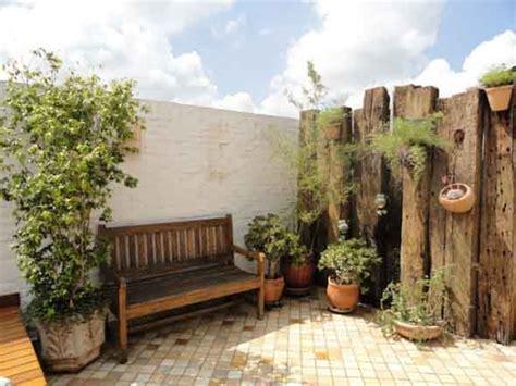 decorar paredes do quintal decora 231 227 o r 250 stica para seu quintal