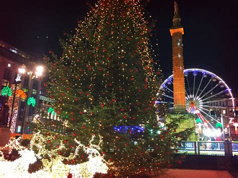 George Square At Christmas Glasgow With Kids George Square Lights