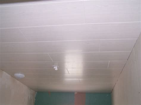 Lambris Pvc Au Plafond by Lambris Pvc Pour Plafond Grosfillex