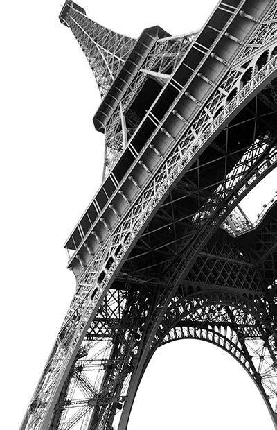 Após atentado, Paris cai no interesse do viajante; entenda