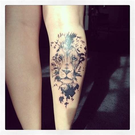 lion tattoo placement lion rasta femme tatouage mollet tatouage femme