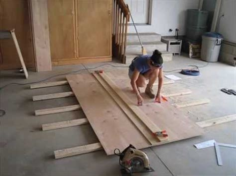 how to cut 4x8 sheet of plywood on table saw cutting 4x8 plywood with circular saw
