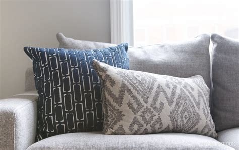 white sofa throw pillows how to choose the best throw pillows for a gray