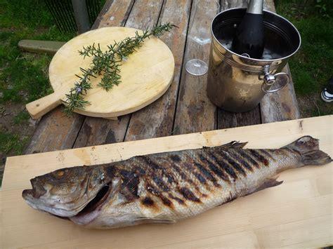 come cucinare il branzino alla griglia branzino di mare alla griglia mangiamo con aldo s