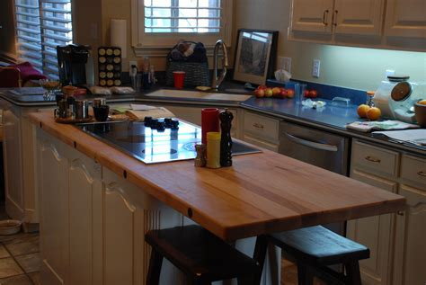 Kitchen Island with Cooktop: Two Nice Ones You Can