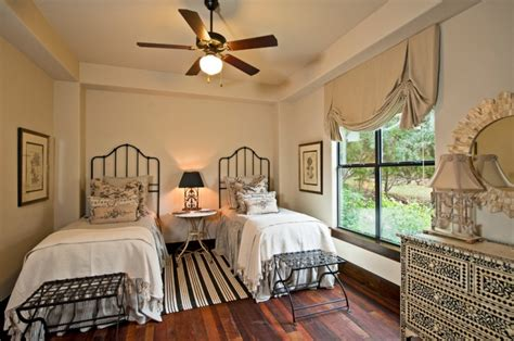 twin bed bedroom decorating ideas 21 guest room designs ideas design trends premium