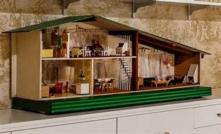 Kate builds a 1955 Betsy McCall Do It Yourself Dollhouse   Retro Renovation