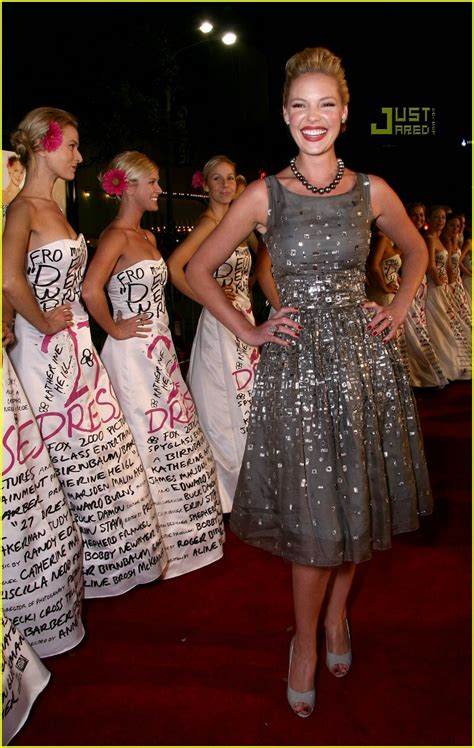 27 Dresses Premiere Katherin Heigl Turlington Hewitt And Menounos by Katherine Heigl Holds Tight To Husband Josh Kelley In Nyc