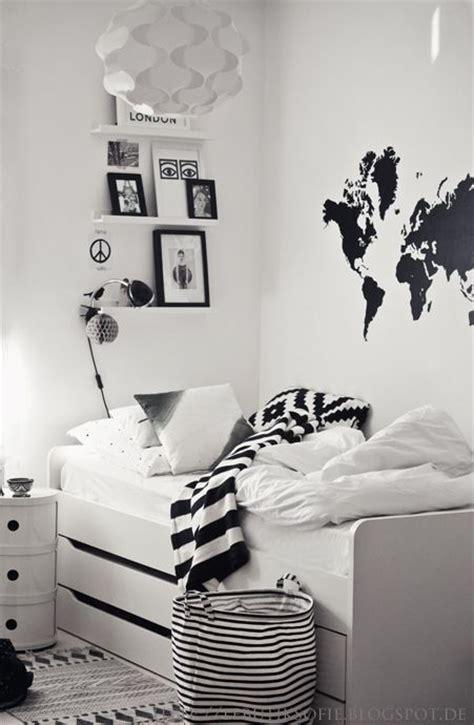 black and white home design inspiration 17 meilleures id 233 es 224 propos de chambres tumblr sur