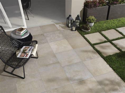 mattoni per terrazzo piastrelle per esterni che materiale scegliere cose di casa
