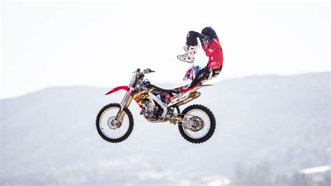 freestyle motocross death james carter works his way back in fmx targets big year