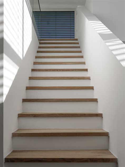 treppe cheap treppe in eiche massiv natur gelt with - Wandlen Treppe