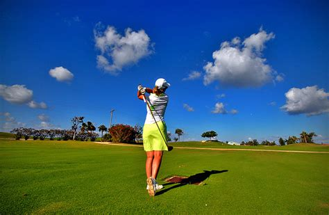 swing asia girl power here s why more women are taking up golf dot
