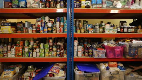 Food Pantry Fl by Half A Million Turn To Food Banks To Survive