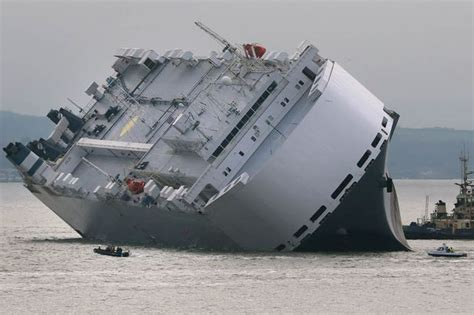 small round boat crossword isle of wight boat rescue car carrier was grounded on