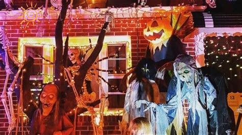 31 of the best decorated halloween houses gallery top 10 photos of new york city s best halloween decorated
