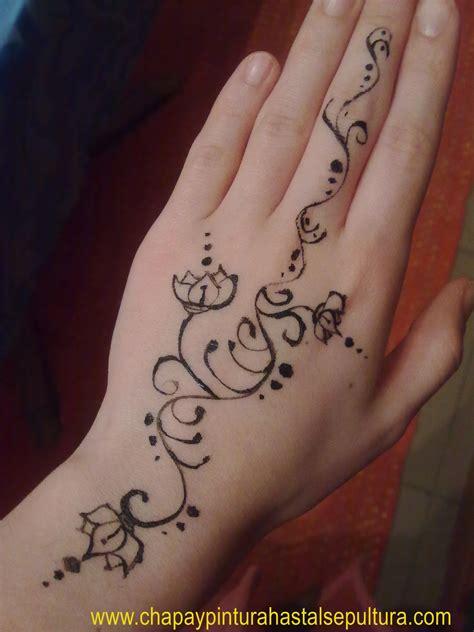 tatuaje con henna uwakysele
