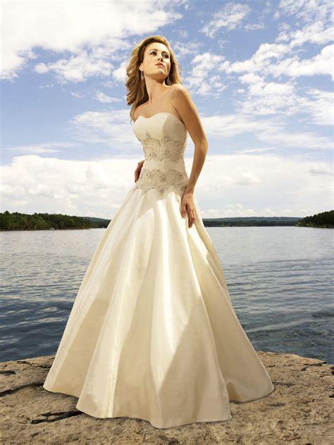 Wedding Attire by Strapless Wedding Dresses Dressed Up