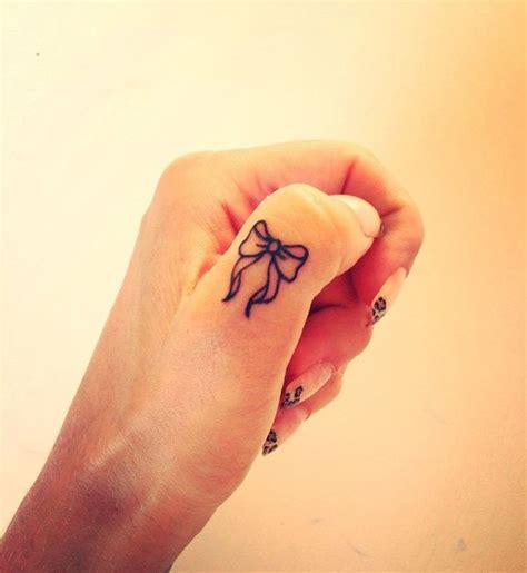 nice tattoo on finger 50 exles of nice finger tattoos golfian com