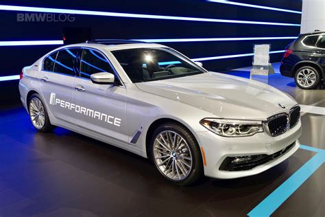 bmw nyc bmw brings its in hybrids to 2017 nyc auto show