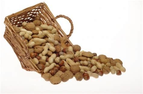 allergia al nichel alimenti consentiti una noce al giorno fa bene al cuore e alla linea