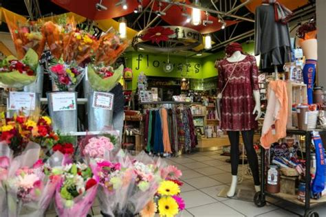 Amore Flowers Cards And Gifts - amore fiori flowers denver international airport