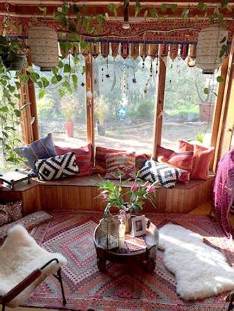cheap bohemian home decor cheap bohemian decorating ideas lovetoknow