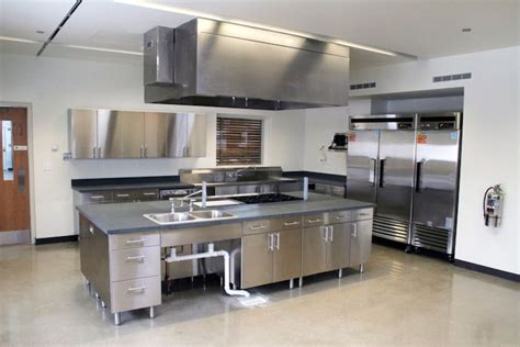 Kitchen Island With Stainless Top by Allestimento Ed Attrezzature Per La Cucina Professionale