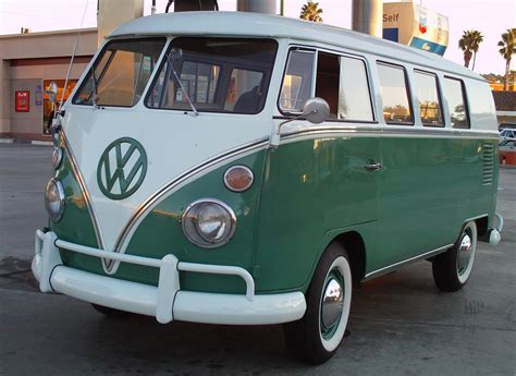 green volkswagen van i need a vw buses 1967 green and white vw bus cool