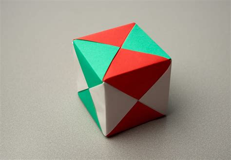 Origami Cube Sonobe - folding challenges maths org