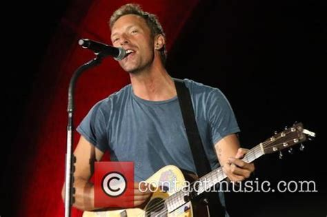 chris martin from coldplay biography chris martin biography news photos and videos