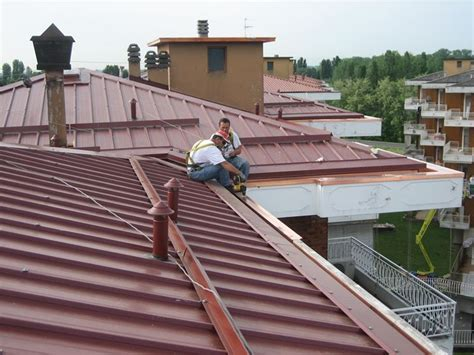 tettoie coibentate copertura tetto coibentato coprire il tetto copertura