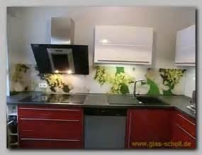 Backsplash In Kitchen Ideas k 252 chenspritzschutz mit apfelbl 252 ten digitaldruckmotiv von