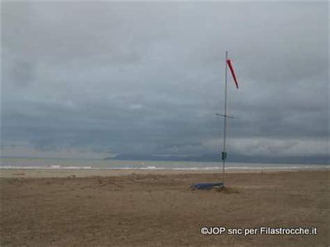 il vento testo il vento i testi della tradizione di filastrocche it