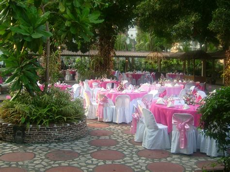 Cost Of A Backyard Wedding by Lq Designs Ideas For Wedding Receptions On A Budget