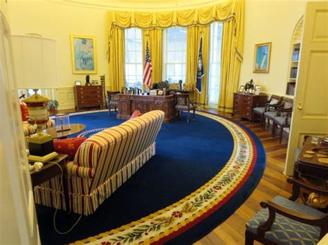 clinton oval office trip report 24 hours in little rock you went where