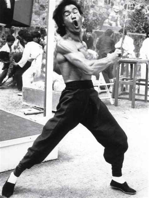 bruce lee full biography bruce lee s life in photos muscle fitness
