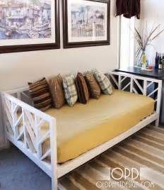 Diy Daybed Frame Plans White Daybed Diy Projects